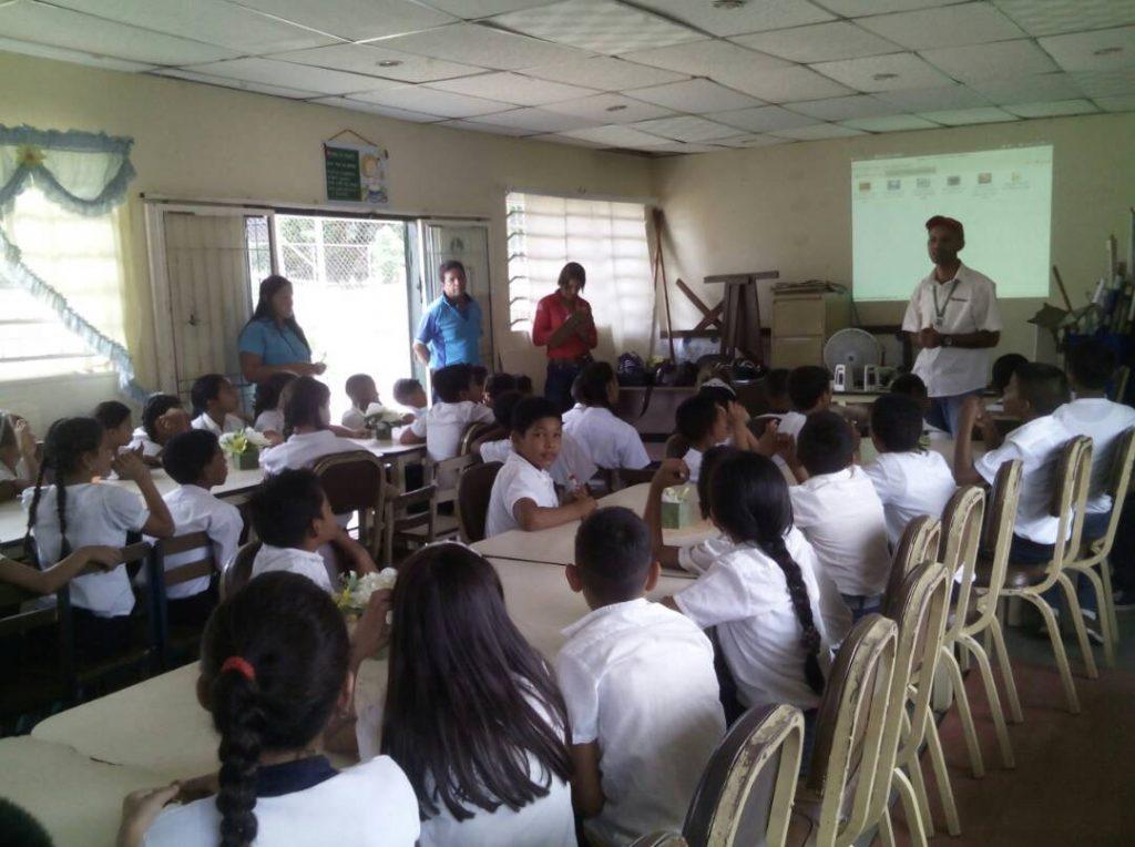Activadas brigadas escolares ecológicas ambientalistas en la Escuela Nacional Cañafístola en Bolívar