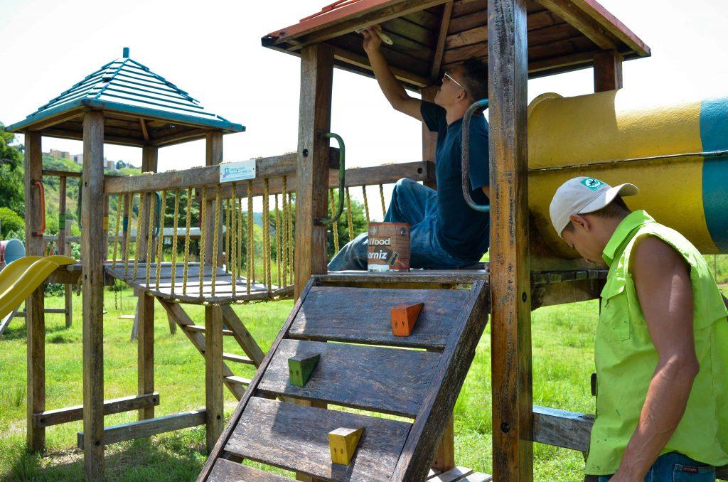 Parque Caiza recibe mantenimiento integral