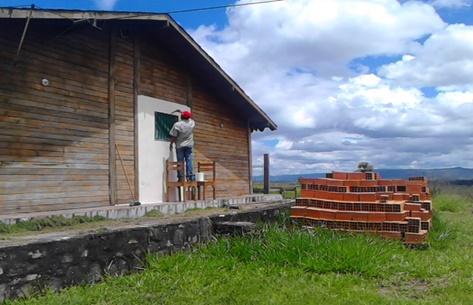 Inparques Bolívar embellece puesto de guardaparques en Canaima