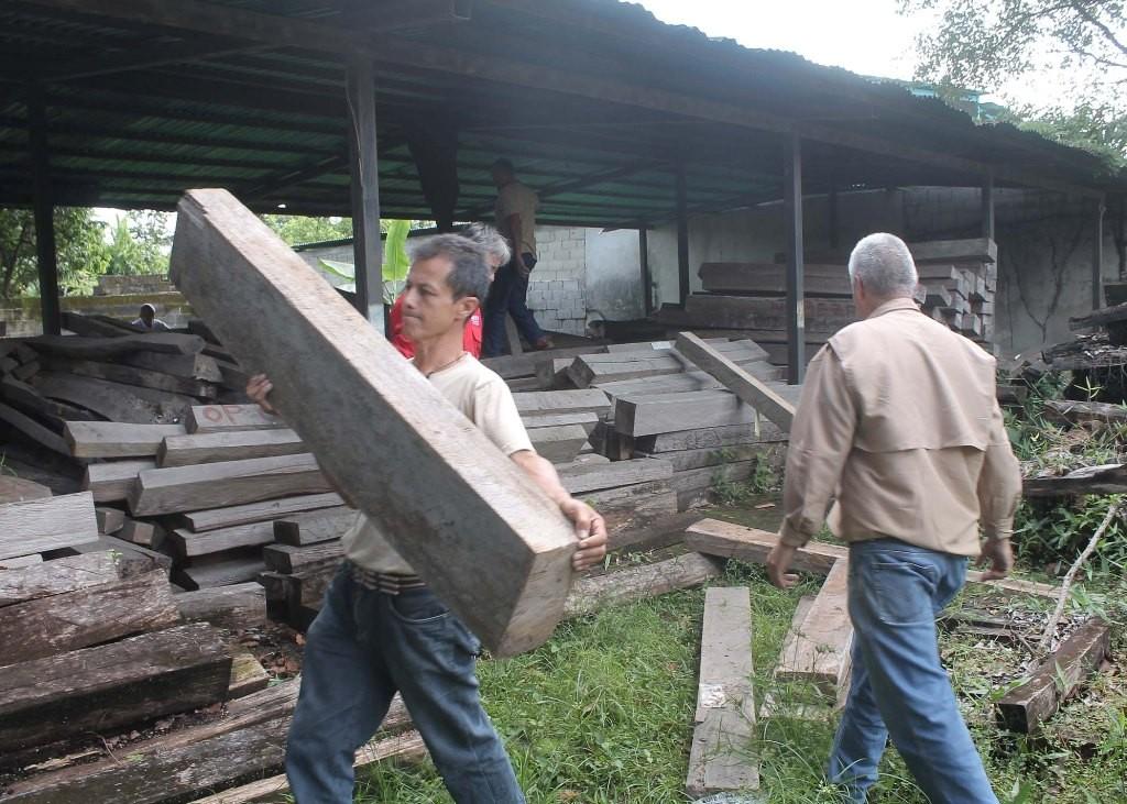 Minea dona madera al Poder Popular del estado Táchira
