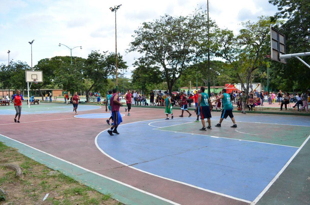 Inparques conmemora su 44° aniversario con actividades deportivas