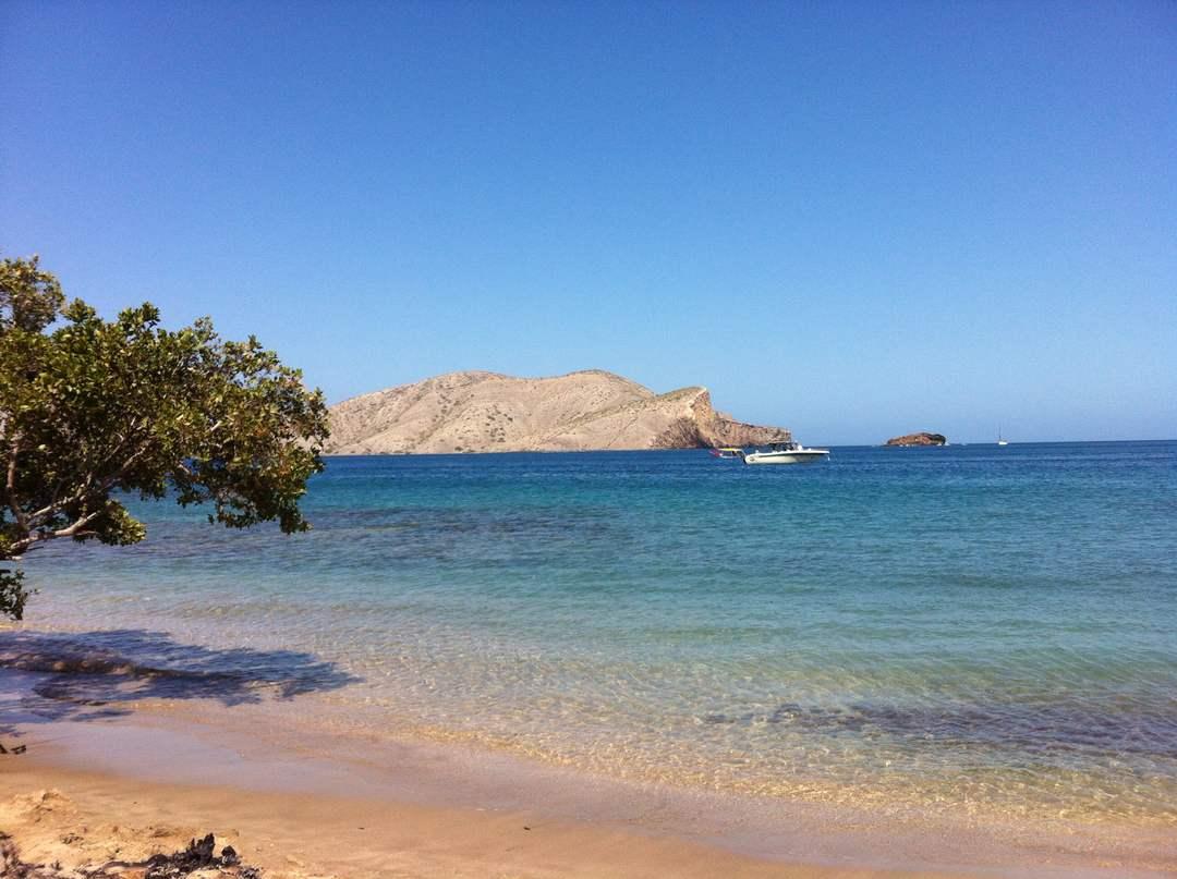 Playa El Saco es sinónimo de encantos paradisíacos en Mochima