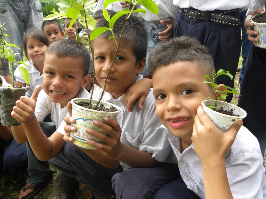 Inparques celebró Día Mundial de la Ecología con abordaje a escuelas deltanas