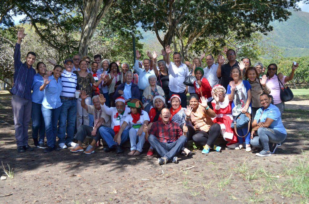 Jubilados de Inparques disfrutaron de compartir navideño en el Parque Generalísimo Francisco de Miranda