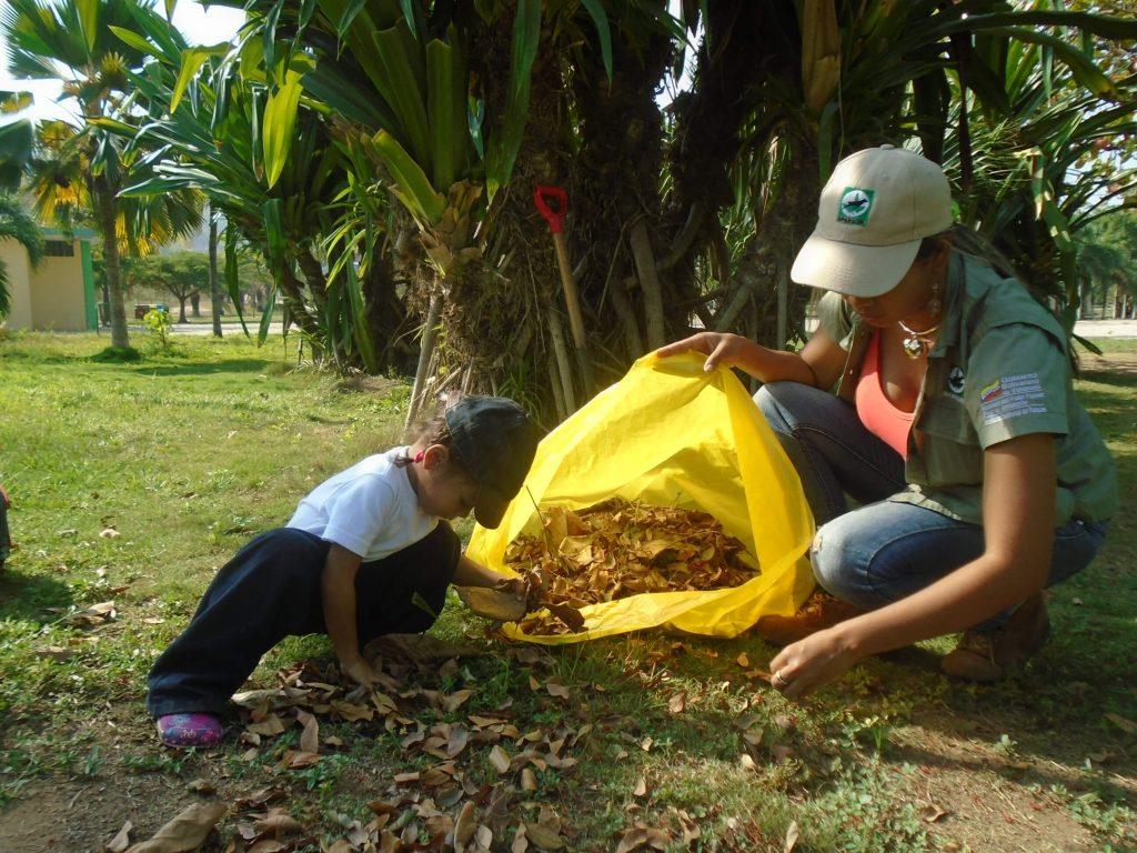 Recolectan desechos sólidos en el Parque Andrés Eloy Blanco de Anzoátegui