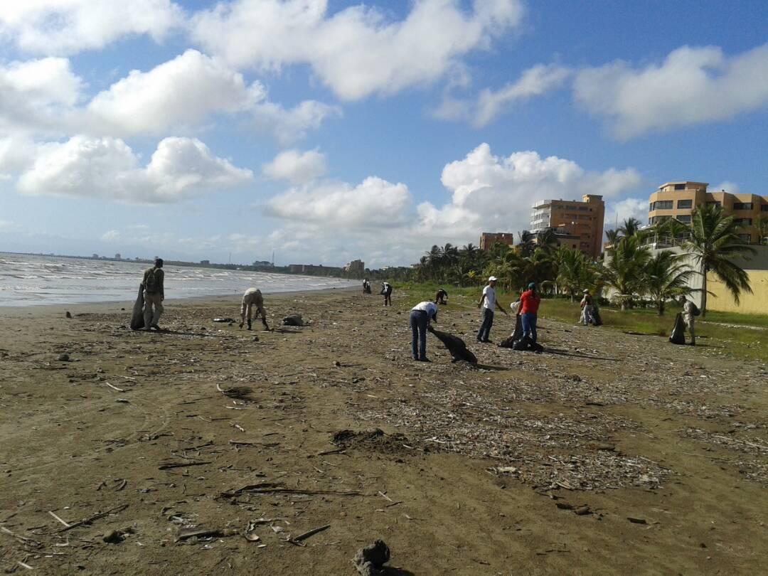 Más de dos mil kilogramos de desechos sólidos fueron recolectadas en sector La Playita de Tucacas
