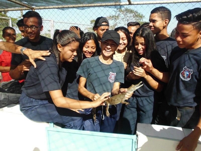 Estudiantes de Apure conmemoraron Día Mundial de la Educación Ambiental