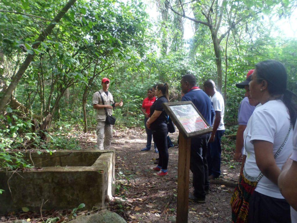 Inparques acompañó caminata ecológica de Pdval en Parque Yurubí