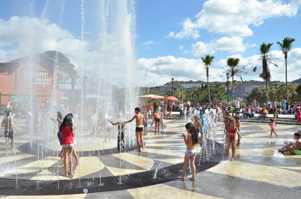 Citadinos disfrutaron de Carnaval en parques de recreación de Caracas
