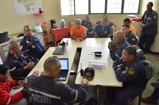 80 personas participaron en búsqueda de los excursionistas extraviados en el Waraira Repano