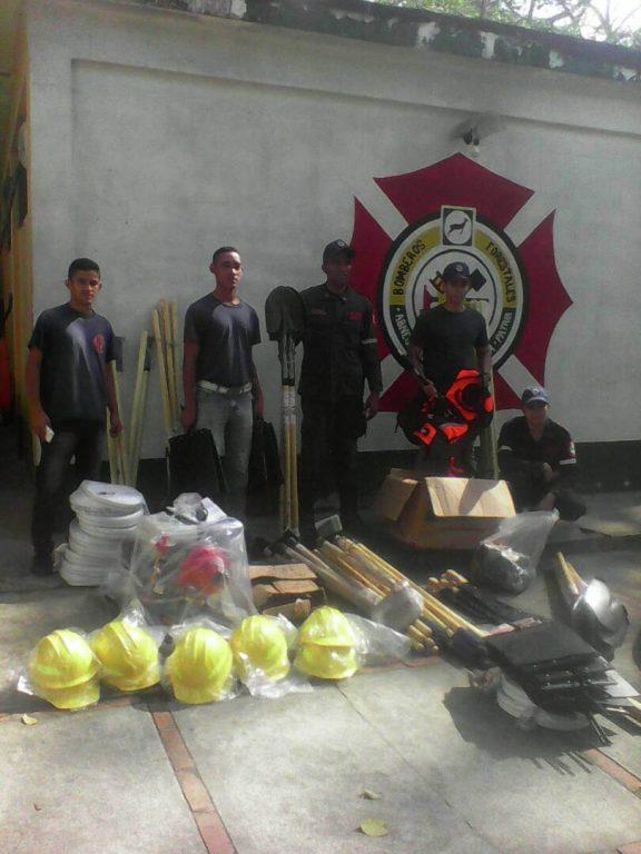 Bomberos Forestales reciben herramientas de trabajo para combatir incendios en Yaracuy