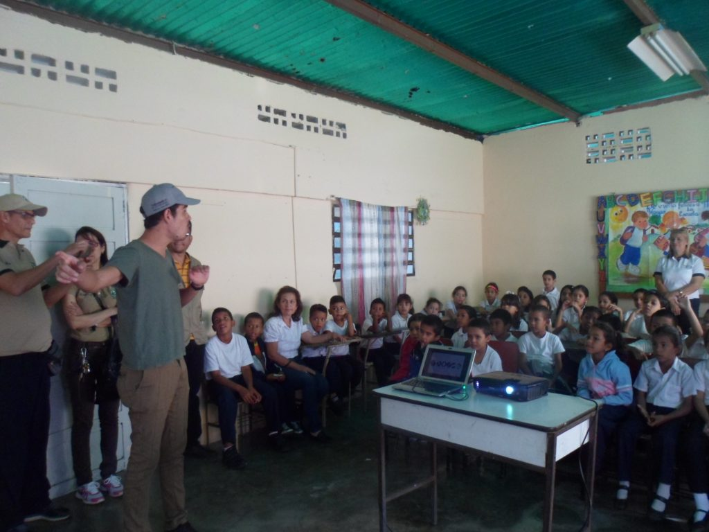 Inparques Yaracuy acompaña a grupo AveZona en taller a estudiantes