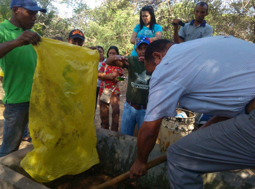 Imparten curso sobre bokashi en el Jardín Xerófito de Coro