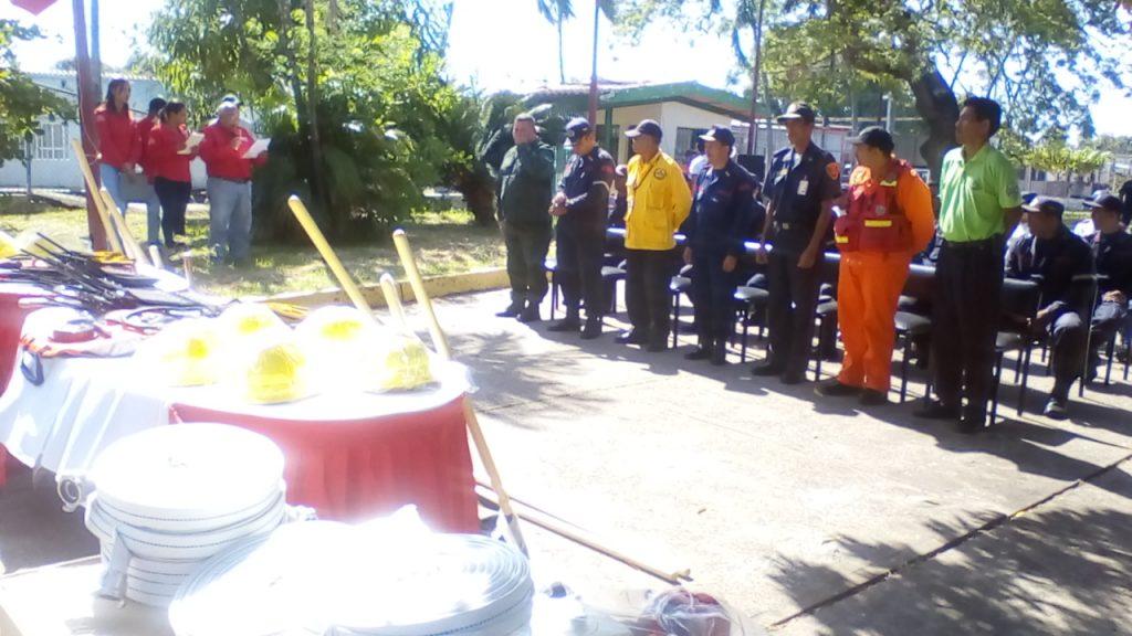 Minea entregó implementos y herramientas para combatir incendios forestales en Apure