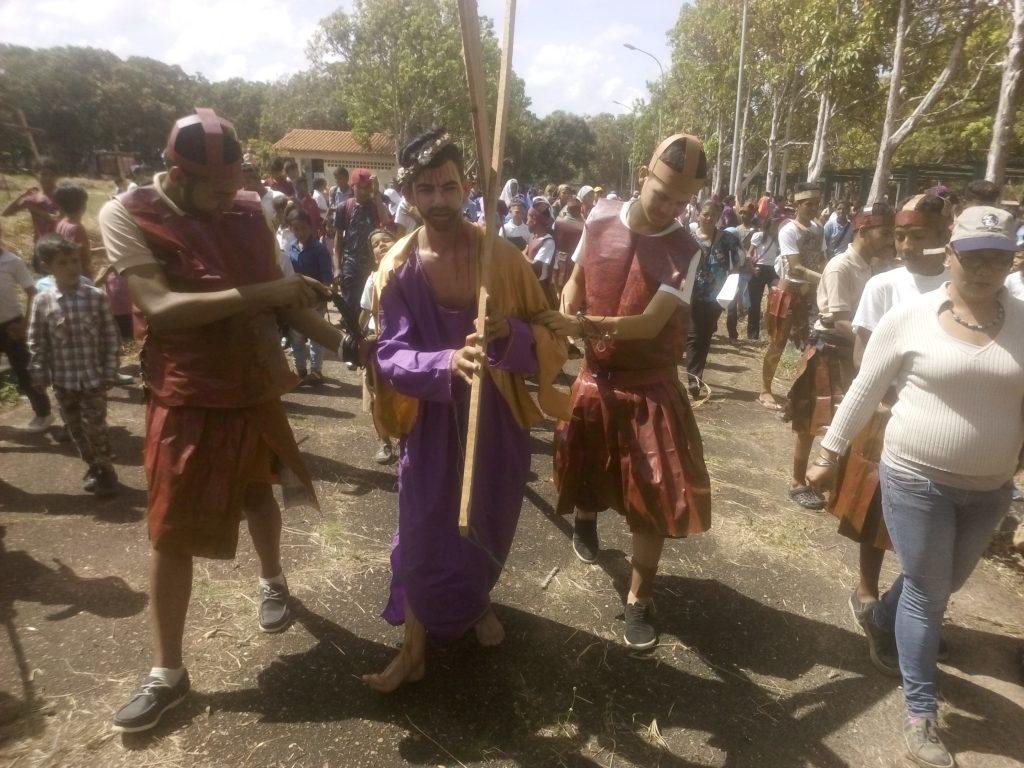 Inparques escenificó viacrucis en el Parque Andrés Eloy Blanco de Maturín