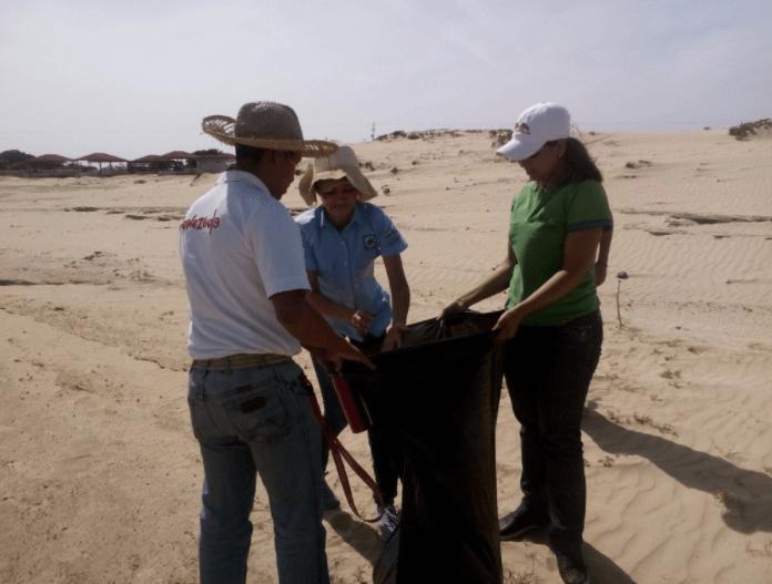 Realizaron jornada de saneamiento ambiental en los médanos de Apure
