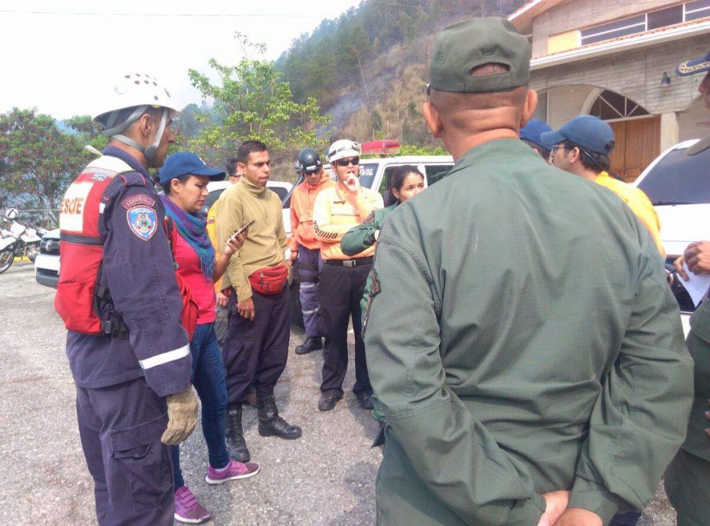 Sofocado incendio en sector Campo Claro de Mérida