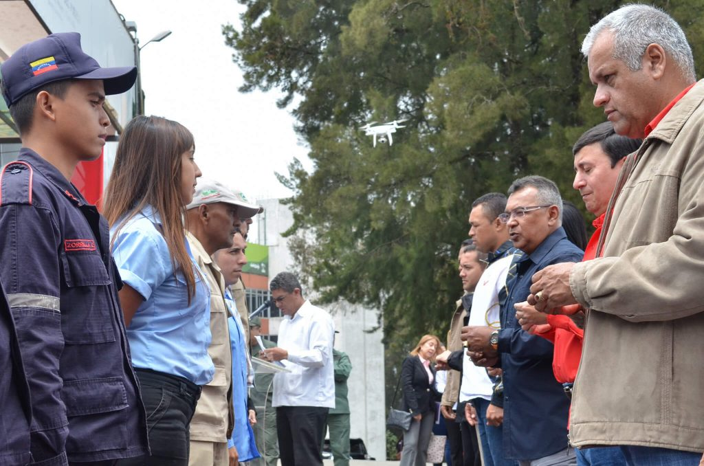 Condecoran a servidores públicos de Inparques por su loable labor en Semana Santa 2018