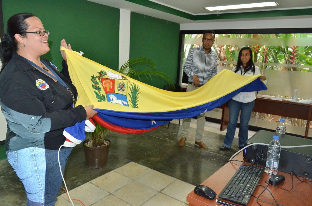 Trabajadores de Inparques participaron en conversatorio sobre los símbolos patrios