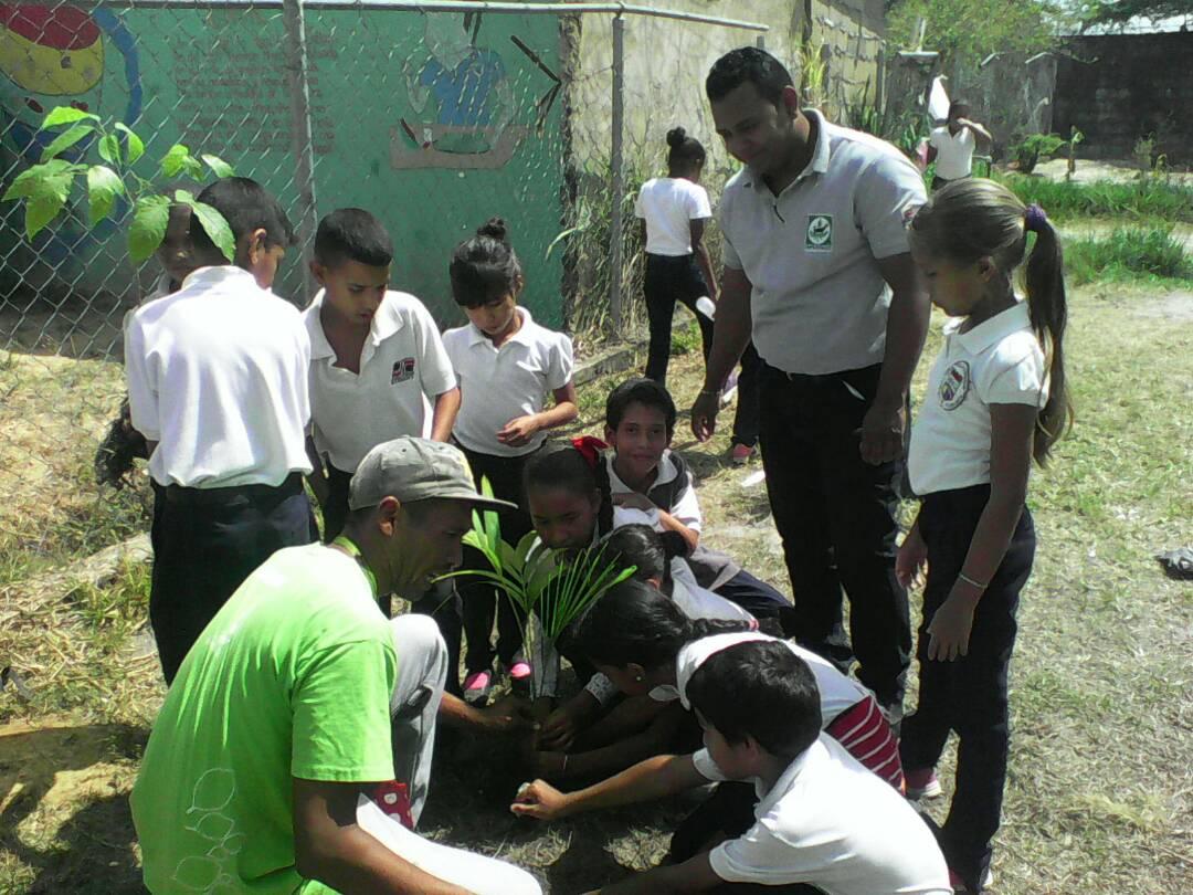 Inparques se despliega en escuelas de Monagas en la Semana de la Tierra