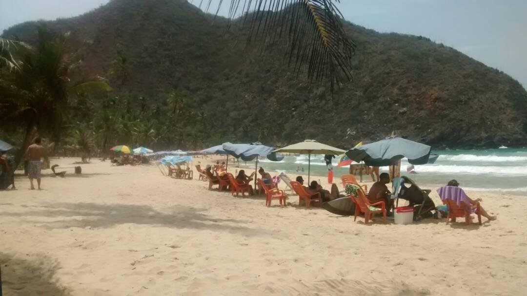 Inparques trabaja para el buen funcionamiento del Parque Recreacional Playa Grande en Choroní