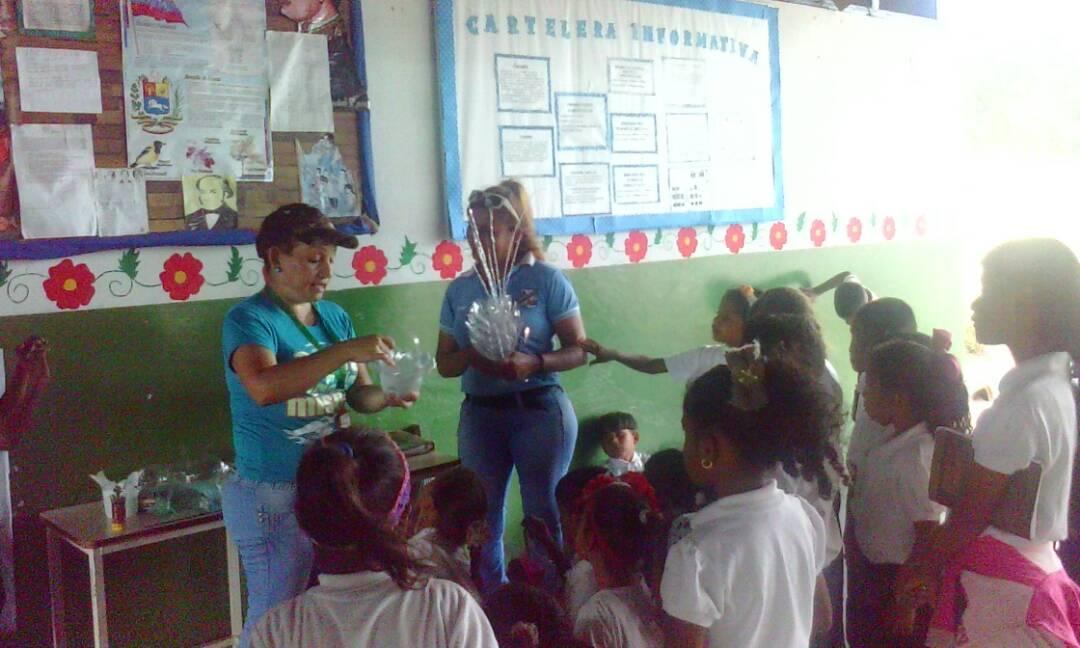 Trabajadores de Inparques dictan taller de reciclaje en instituciones educativas de Monagas