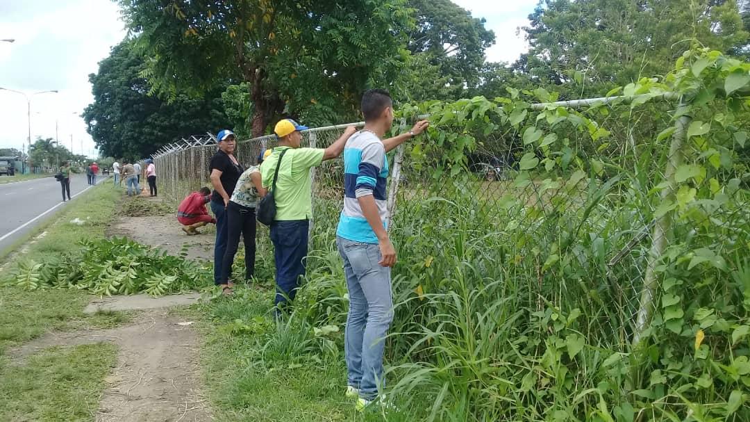 Parque Central de Tucupita recibió jornada de mantenimiento