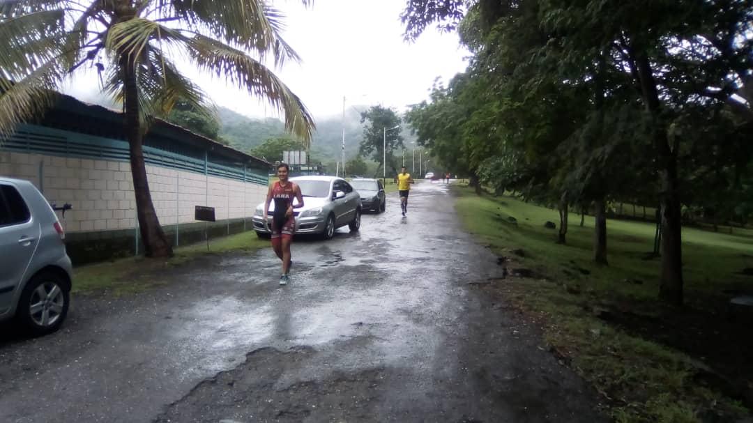 Prácticas de triatlón se llevó a cabo en el Parque Recreacional Embalse Cumaripa