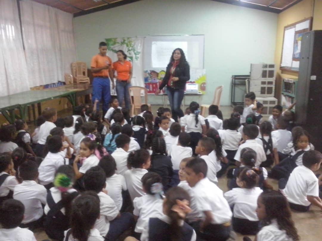 Impulsan programa «Inparques va a la escuela» en Barinas