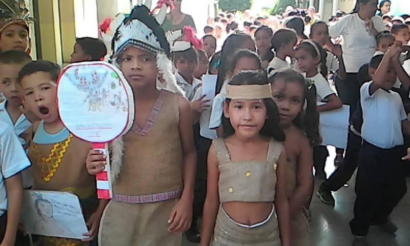 Celebraron con conversatorio y desfile el Día de la Resistencia Indígena en Nueva Esparta