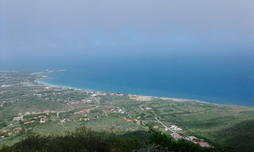 Inparques celebró Día Mundial de la Ecología con ascenso al Cerro Guayamurí