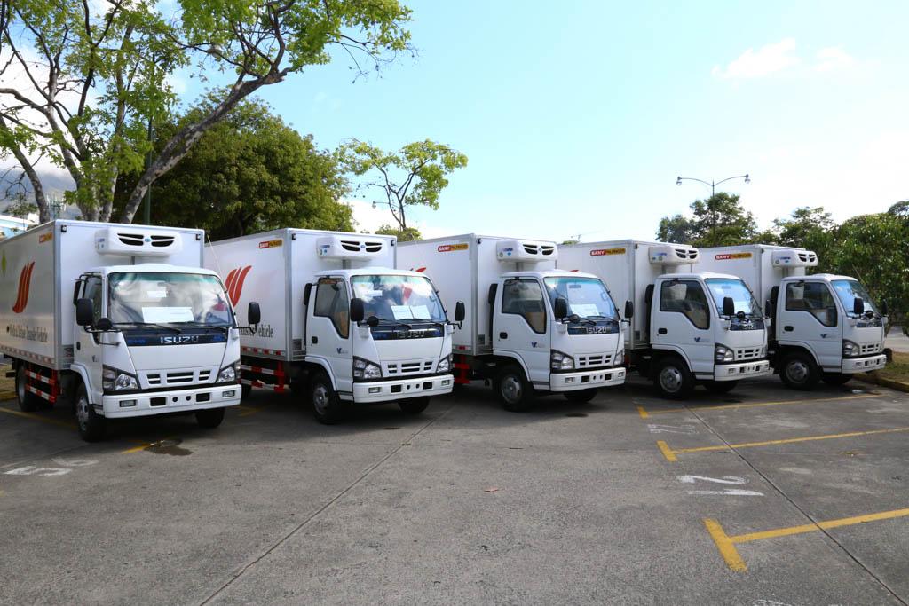 Minec entregó al IVSS cinco vehículos para traslado de desechos patológicos y hospitalarios