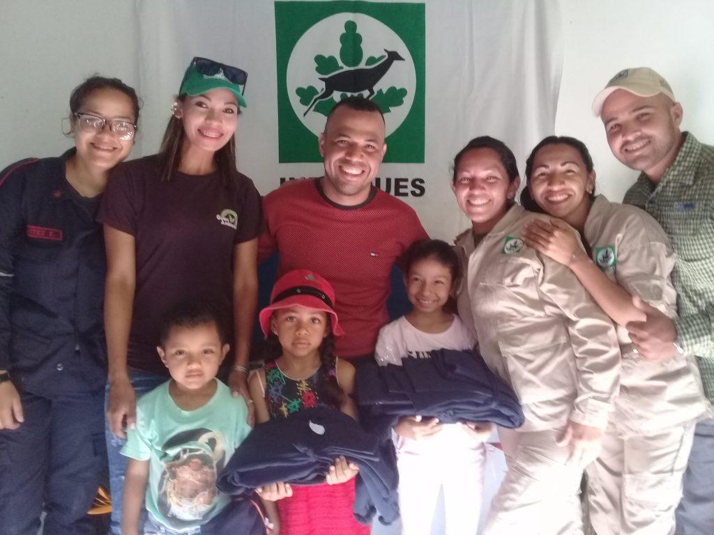Inparques Yaracuy benefició a servidores públicos con la entrega de uniformes escolares