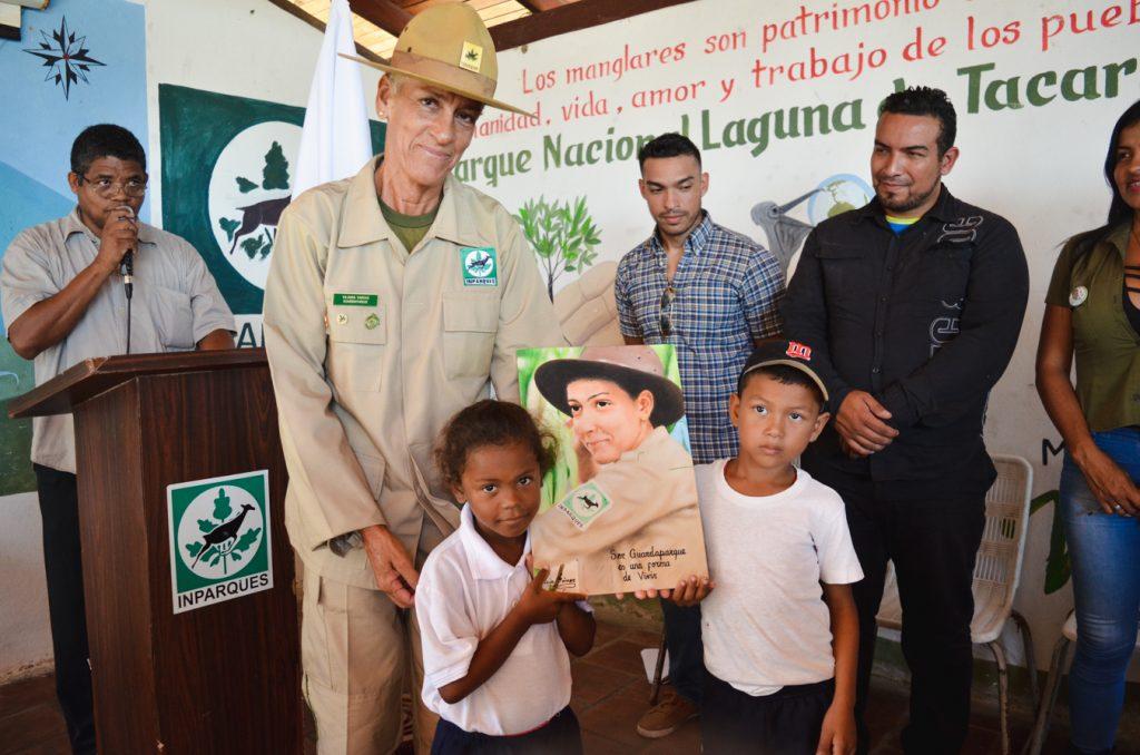 Primera mujer guardaparques del país inspira amor por la naturaleza