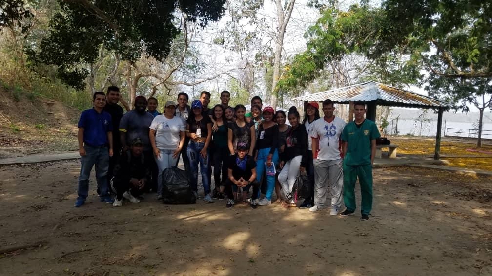 Recolectados más de 18 kilos de desechos en el parque Burro Negro