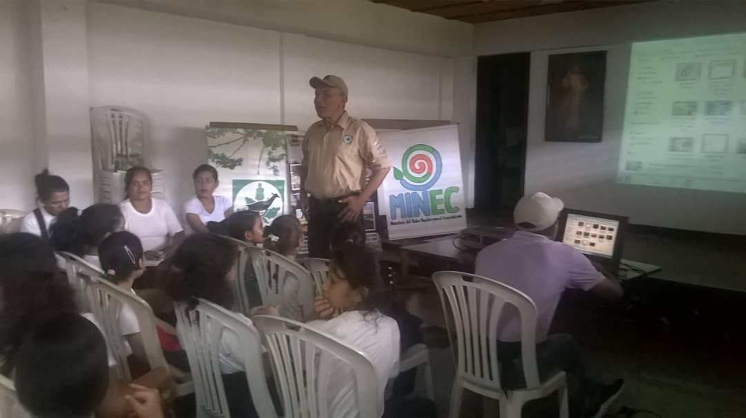 Inparques Apure sensibilizó a 52 estudiantes sobre la desertificación y la sequía