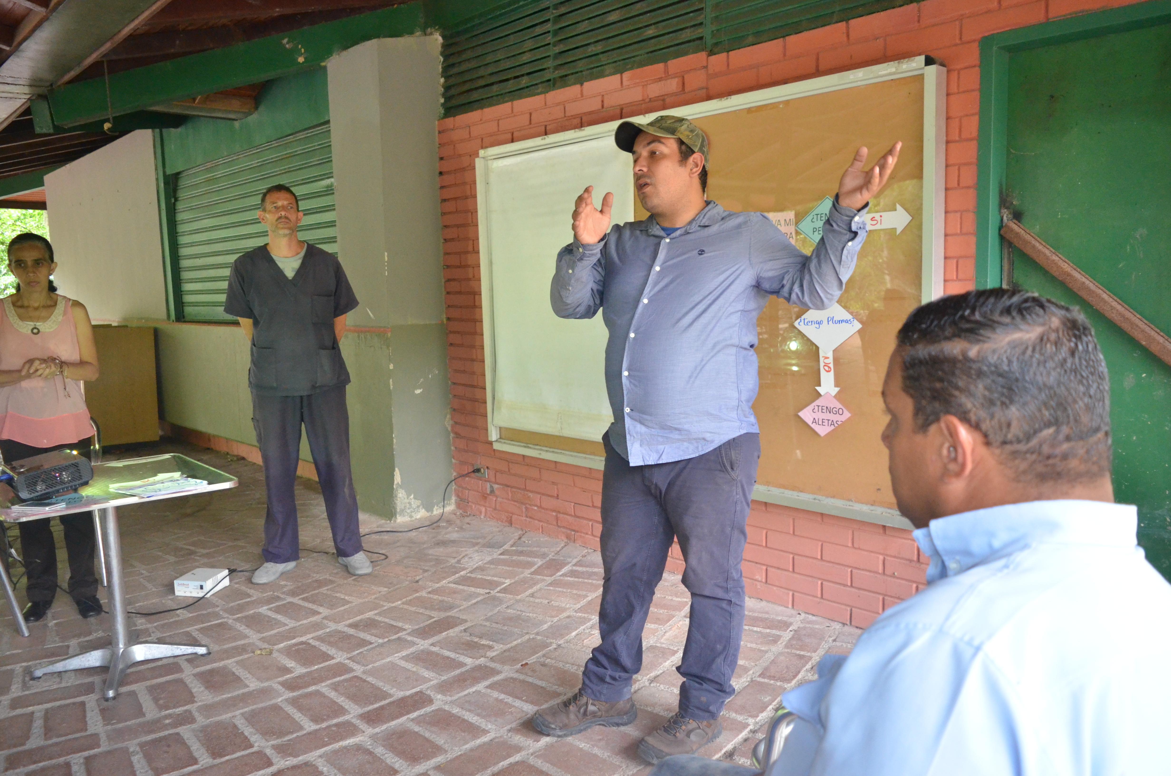 Presidente de Inparques impulsa profesionalización de cuidadores de animales de zoológicos