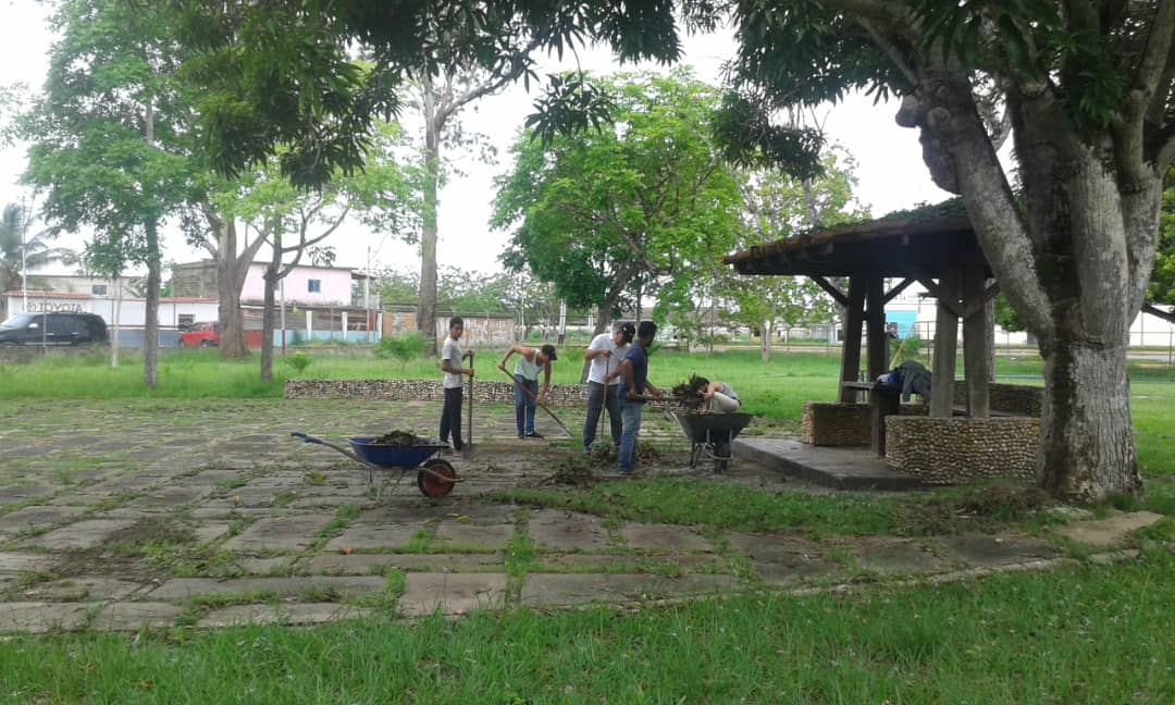 Inparques realiza jornada de mantenimiento en el Parque Andrés Eloy Blanco de Maturín