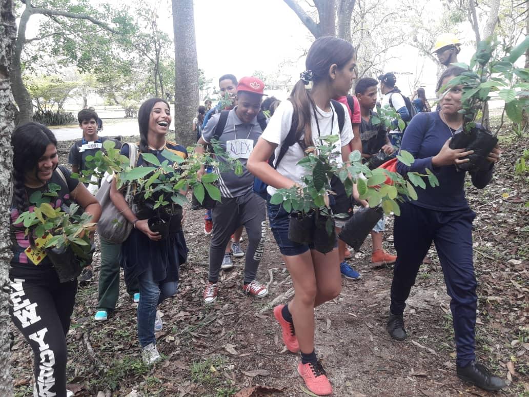 Cierran semana del ambiente con Un día de Amor por Mi Montaña en el Waraira Repano
