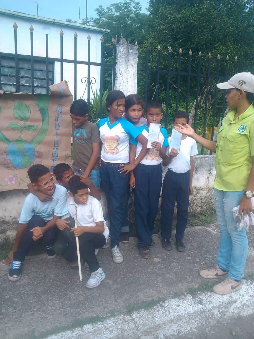 Pequeños Guardaparques realizaron casa a casa ambientalista en Yaracuy