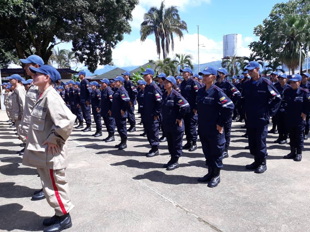 Certifican en Barinas a 397 guardaparques y bomberos forestales