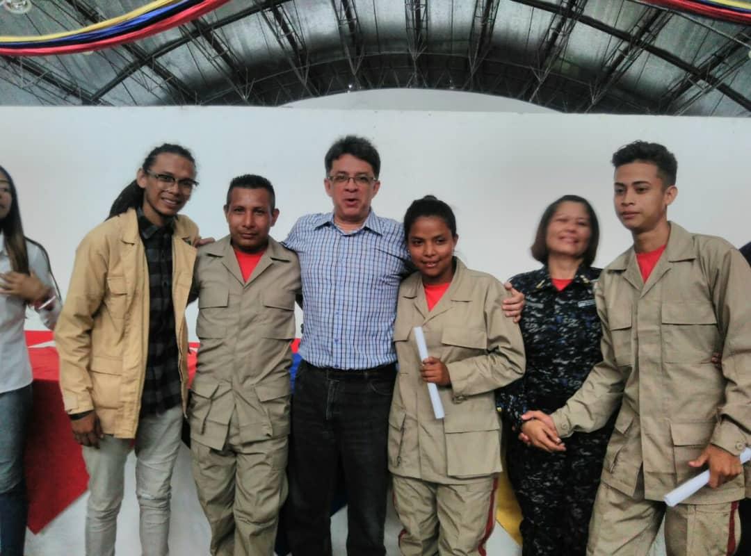 Gobernador de Amazonas participó en graduación de 422 guardaparques y bomberos forestales